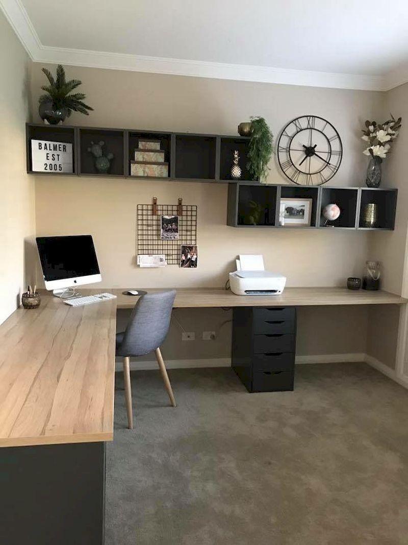 birou cu ceas